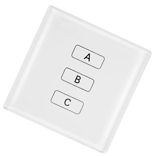Obrim l'interruptor A i esperem uns minuts. Tanquem aquest interruptor, obrim el B i pugem a dalt a fer la comprovació. Si la bombeta està encesa, l'interruptor correcte és el B. Si la bombeta està apagada, però està calenta, vol dir que ha estat encesa fa poc i per tant l'interruptor correcte és el A. Si la bombeta està apagada i freda vol dir que la bombeta no ha estat encesa, per tant l'interruptor correcte és el C.