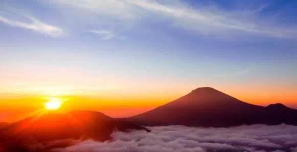 Spot Sunrise Terbaik di Indonesia
