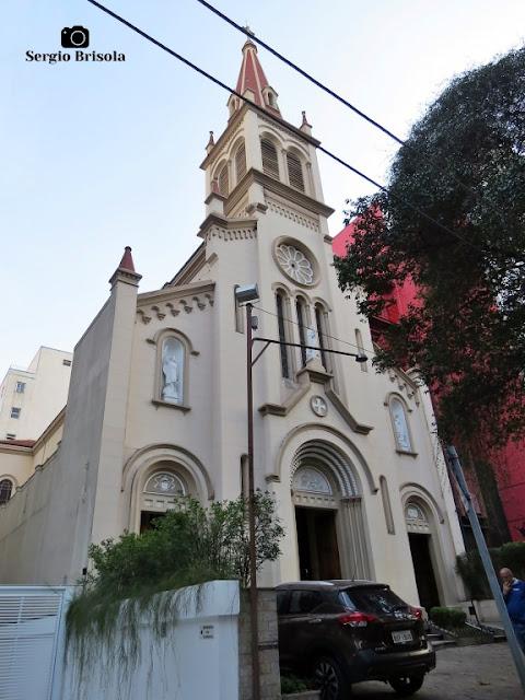 Vista ampla da Paróquia Santa Teresinha - Higienópolis - São Paulo