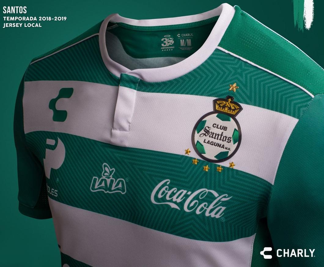 57341430c9 Charly divulga as novas camisas do Santos Laguna - Show de Camisas
