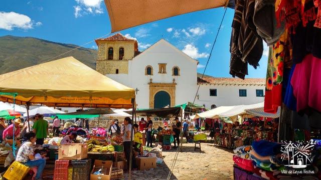 Plaza de mercado en la plaza principal de Villa de Leyva