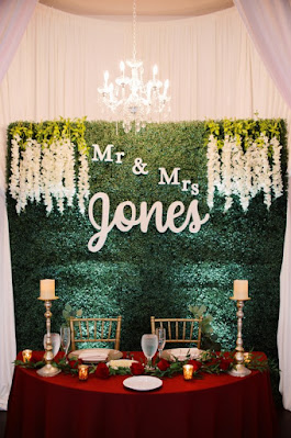 sweetheart table display