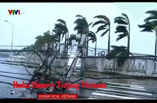 Badai Damrey Terjang Vietnam