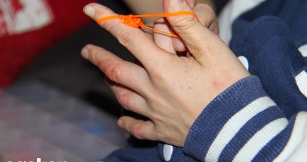 Hvordan Lage Armbånd Av Strikk Med Hendene