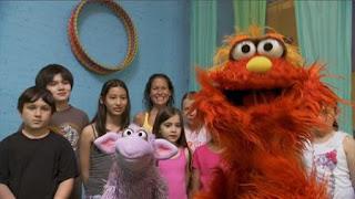 Murray and Ovejita, Murray Has a Little Lamb, yoga school, Sesame Street Episode 4405 Simon Says season 44