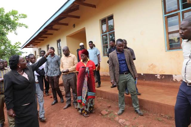 Waziri Ndalichako atilia shaka gharama za ujenzi Chuo cha Ualimu Kasulu