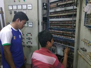 Melayani service panel listrik