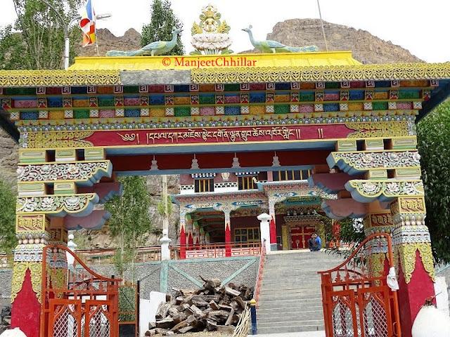 Sakya Tangyud Monastery, Kaza