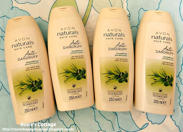 Avon Naturals Anti Dandruff Shampoo With Tea Tree & Mint