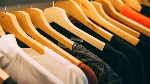 Sell-Customized-T-Shirts