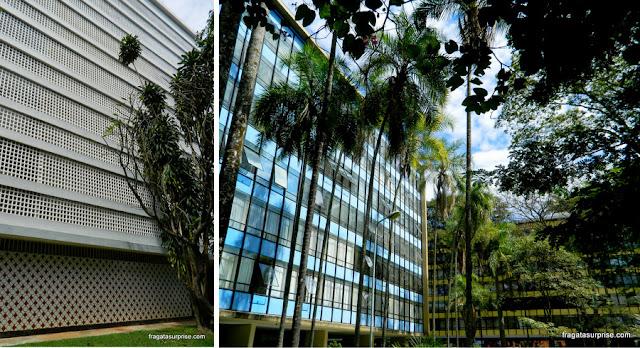 Cobogós e fachadas Bauhaus na Quadra 308 Sul de Brasília