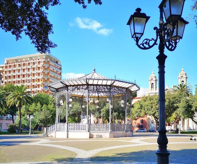 Gazebo liberty in una piazza