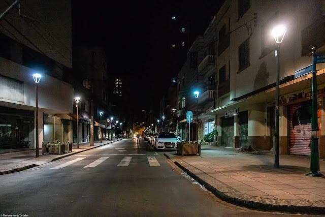 Rua Riachuelo à noite
