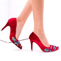 pantofi cu toc mediu din piele intoarsa rosii