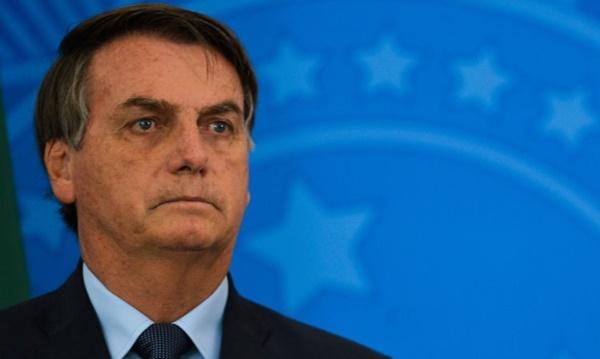 Coronavírus: País precisa ser informado sem pânico, diz Bolsonaro