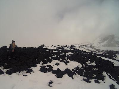 wulkan Etna zimą zastygła lawa