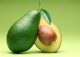 how do you debloat : 8 Summer Foods That Will Help You Debloat