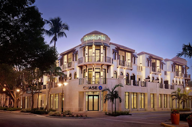 Inn on Fifth on the Gulf of Mexico is Naples Florida premier hotel with club level suites, spa services, meeting rooms, weddings and special events.