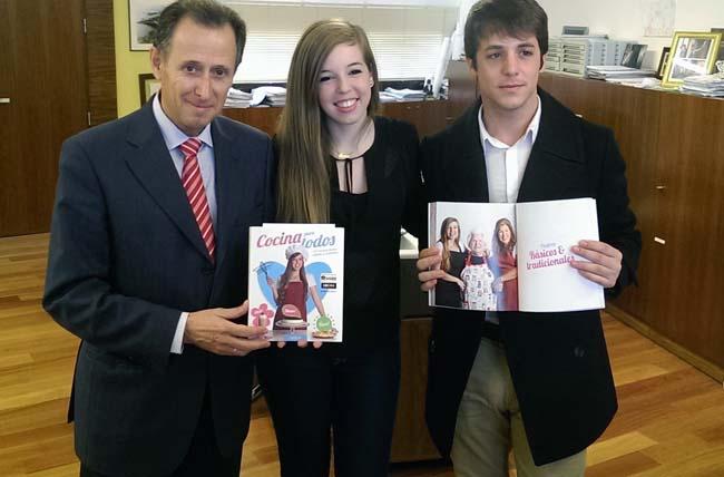 La youtuber mery garc a autora del libro cocina para todos recibida por el alcalde - Cocina para todos ...