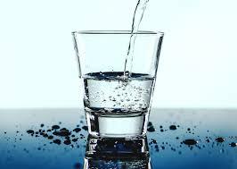 صيام الماء: الفوائد والمخاطر