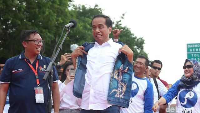 Jika Benar Jokowi Klien Greenberg, Gelar Jancuk Plus Munafik Patut Disematkan