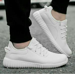 Model Sepatu Wanita Kets Yezy White kekinian