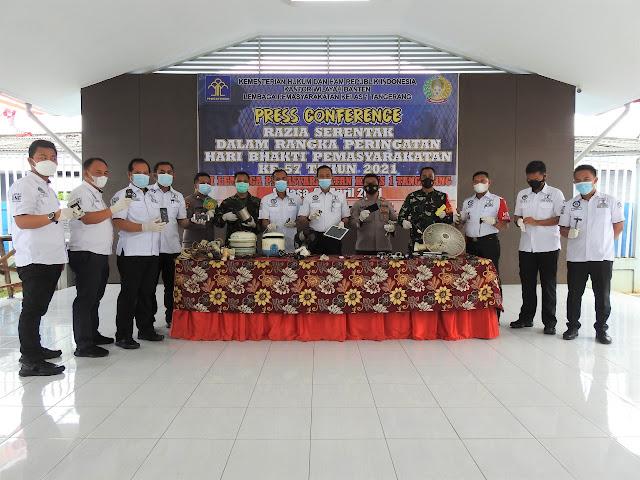 Berantas Peredaran Narkoba, Lapas Kelas 1 Tangerang Bersama TNI - Polri Gelar Penggeledahan