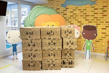 Bibi doa 3 mil pares de calçados para instituições sociais em diferentes regiões do Brasil