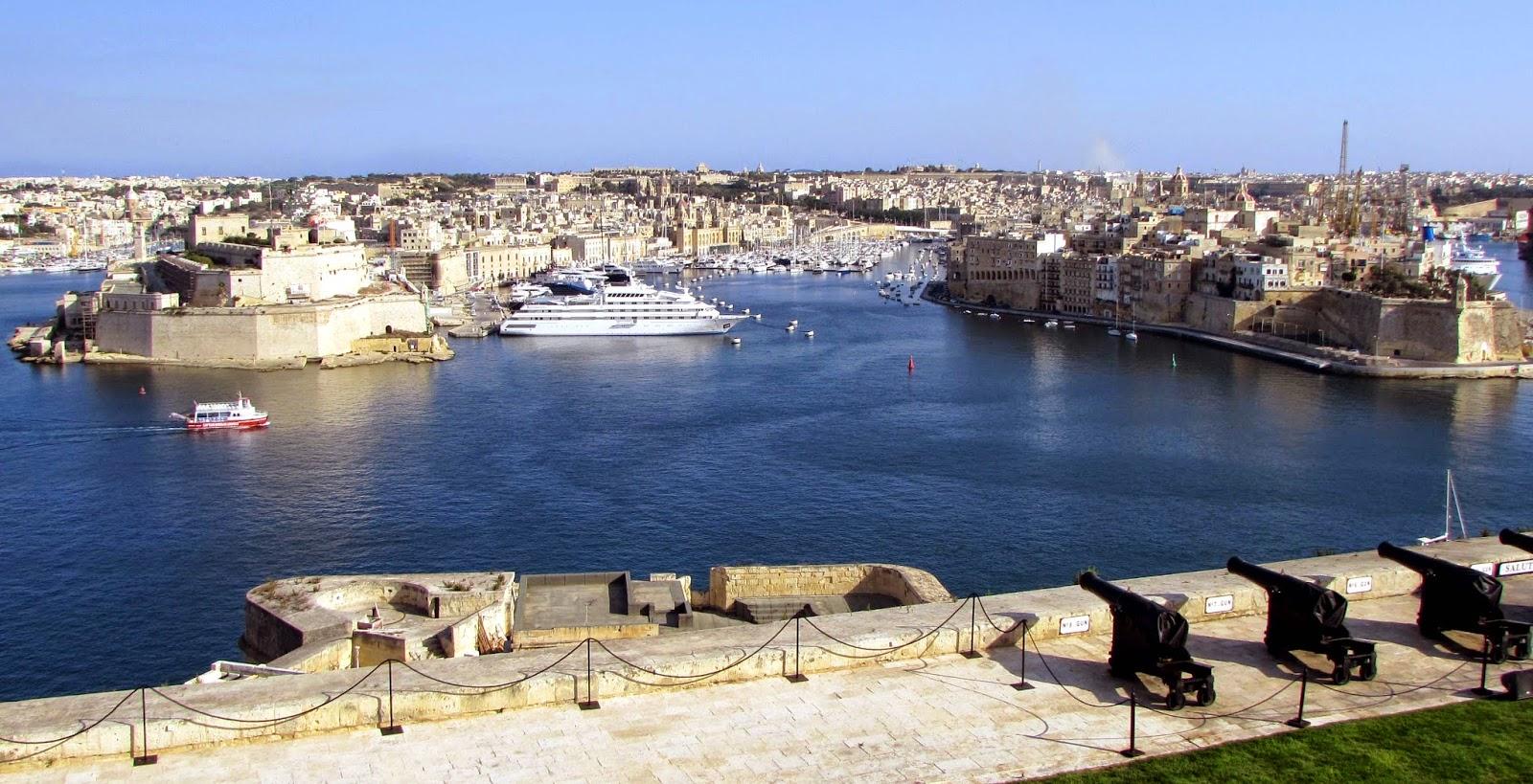 Malta. Malte. Il-Bet Valletta. La Valeta. Upper Barrakka. Il-Birgu. Vittoriosa. L-Isla. Senglea. Invicta