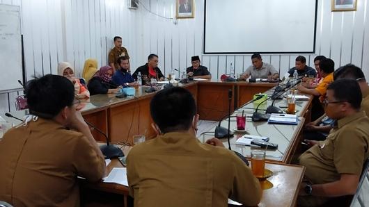 DPRD Padang Rapat dengan Disdik Terkait Nasib Calon Siswa yang Tak Diterima di Sekolah Negeri, Ini Hasilnya