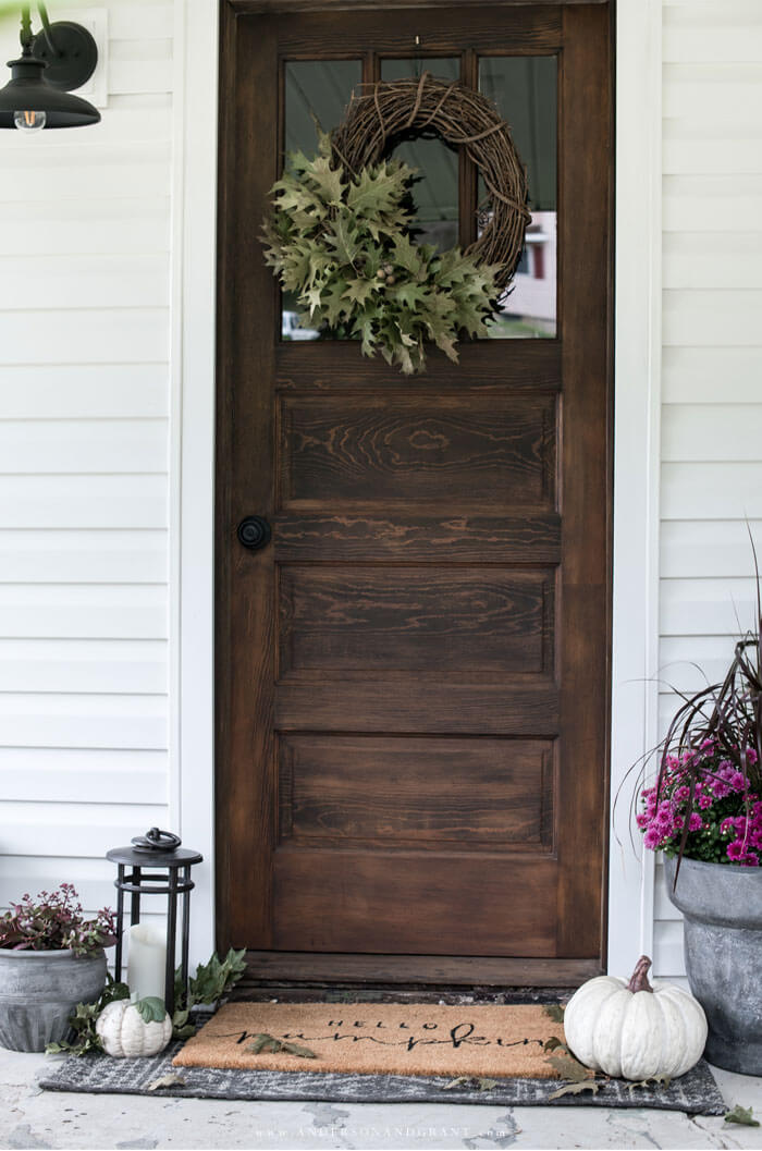 Simple ways to add a fall decorative touch to your front porch.