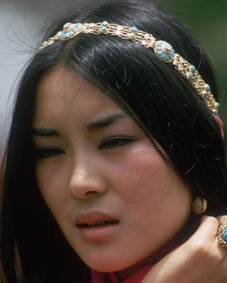 turquoise gold bandeau tiara bhutan princess ashi dechen wangmo