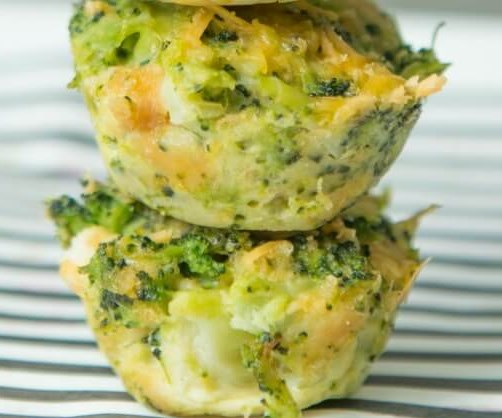 EASY BROCCOLI CHEESE BITES #vegetarian #dinner