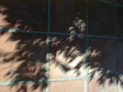Fenomenos Atmosfericos. Sombras creadas por el Eclipse de Parcial de Sol 11-08-1999