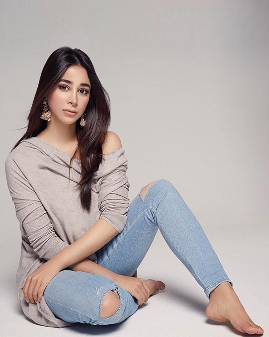 Aseel Omran artis Arab Saudi seksi manis dan cantik