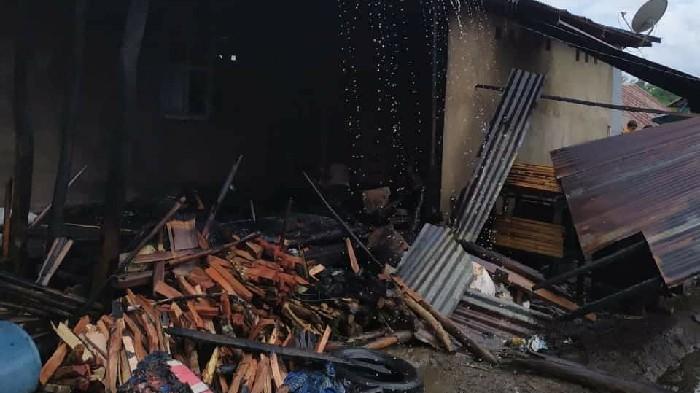 Ditinggal ke Sawah Saat Memasak Air, Dapur Rumah Warga Sinjai Timur Terbakar