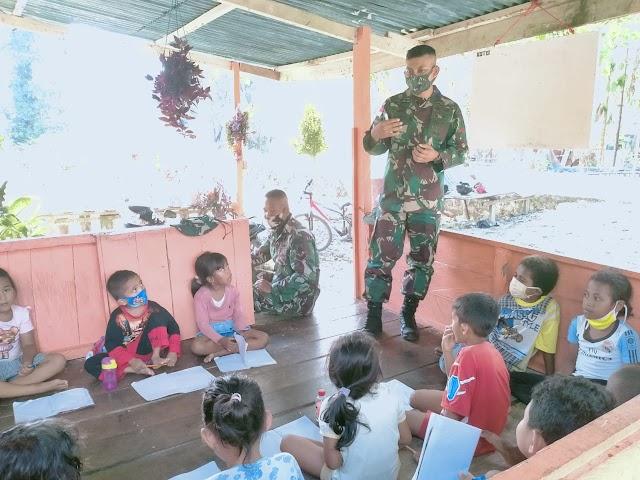 Satgas Yonif 512 Berbagi Ilmu Dengan Anak-anak di Perbatasan Papua