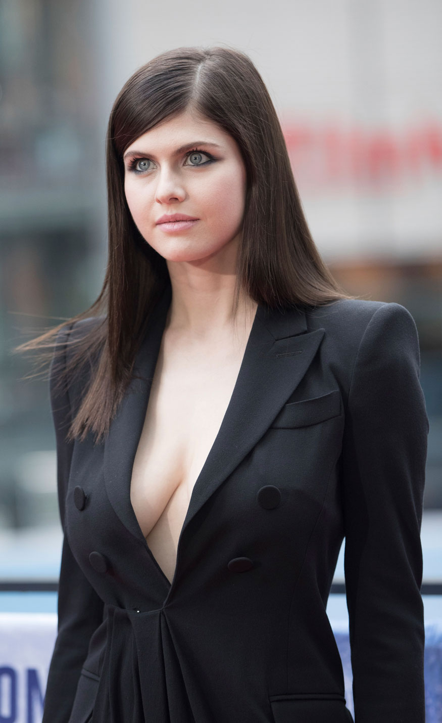 Alexandra Daddario During a Photocall For The Film 'Baywatch' in Berlin
