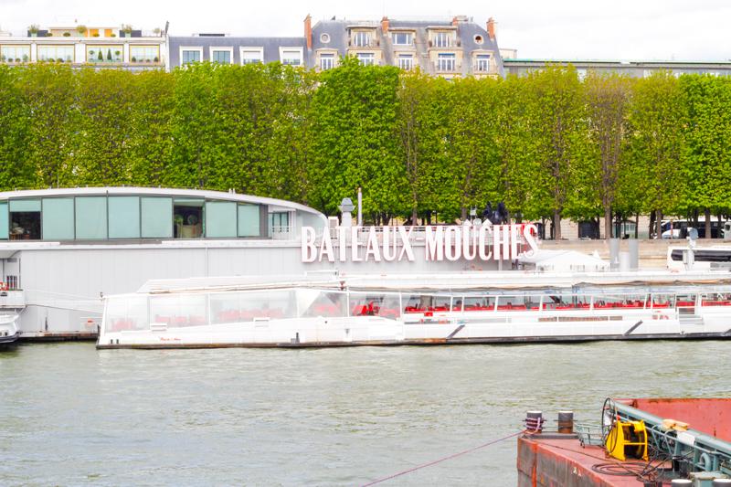 Bateaux Mouche walk in Paris