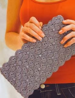 http://patrones-asgaya.blogspot.com.es/2012/11/bolso-de-mano-crochet.html
