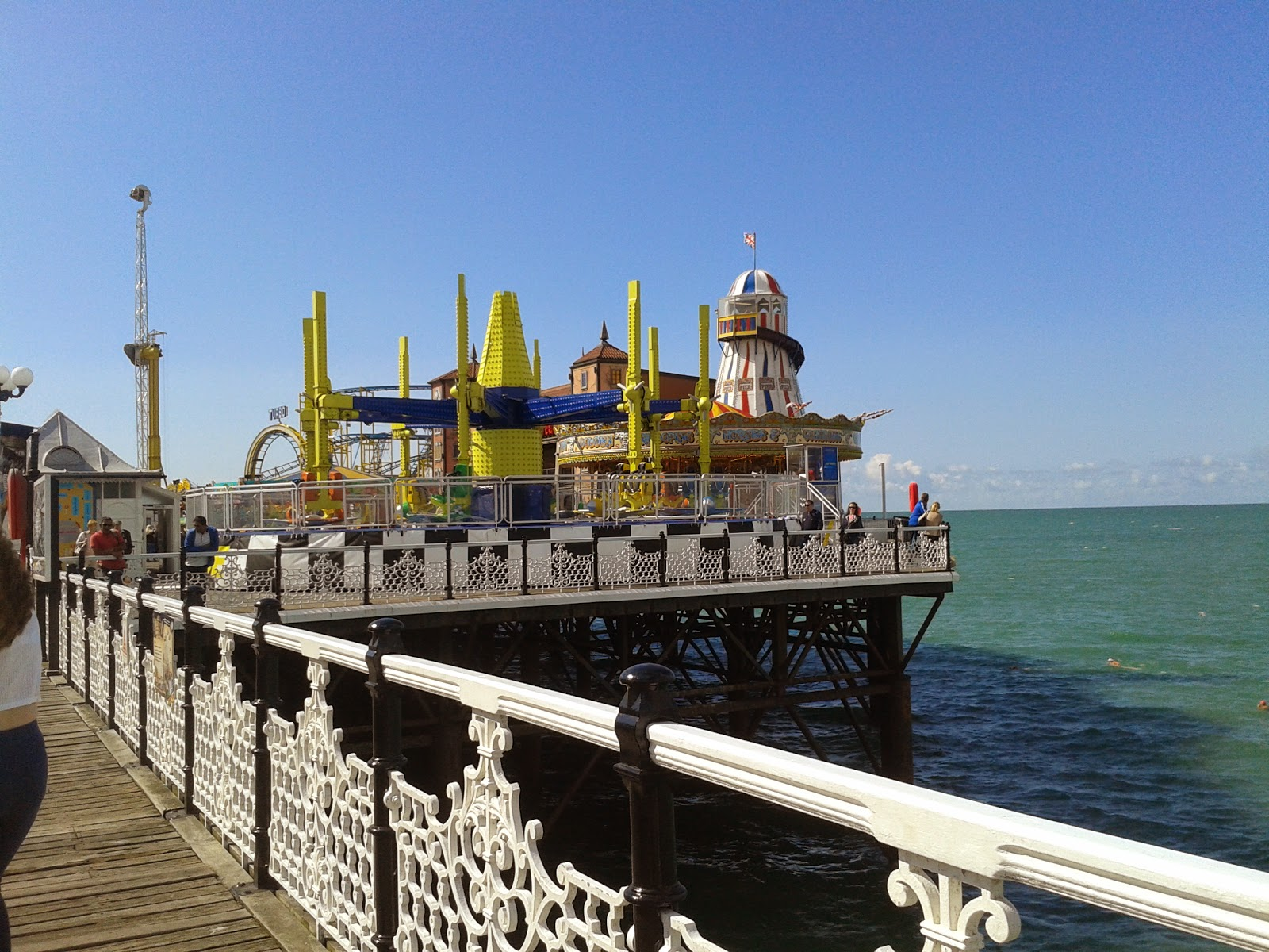 A side shot of some of the rides on Brighton Pier