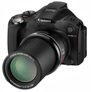 Canon PowerShot SX40 HS with extracted 35x zoom lens