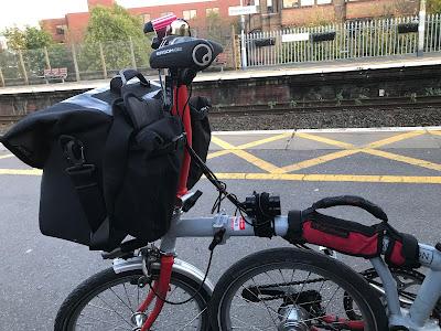The Ortlieb O-Bag mounted on my Brompton