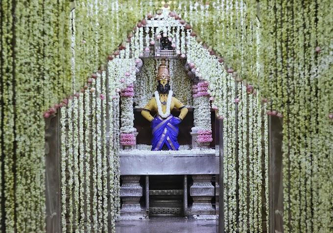 मोगरा फुलला...मोहिनी भागवत एकादशीनिमित्त श्रीविठ्ठल रूक्मिणी मंदिरात मोग-याच्या फुलांची आकर्षक आरास