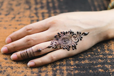 mehndi design simple for hands