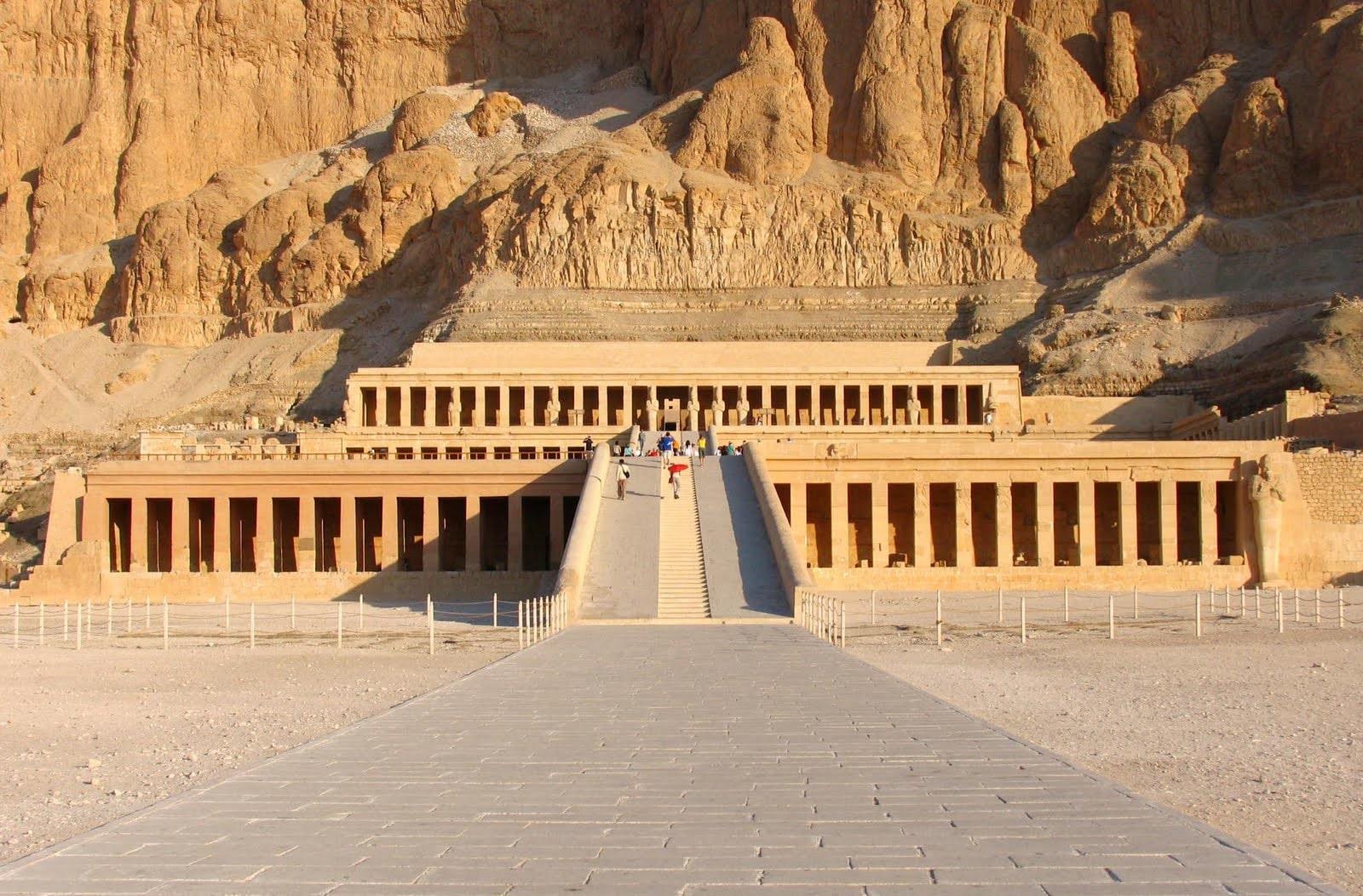 pirámides y palacios de la arquitectura egipcia antigua