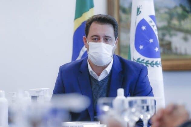 Ratinho Júnior anuncia novo decreto com toque de recolher para 20 horas e novos horários para o comércio