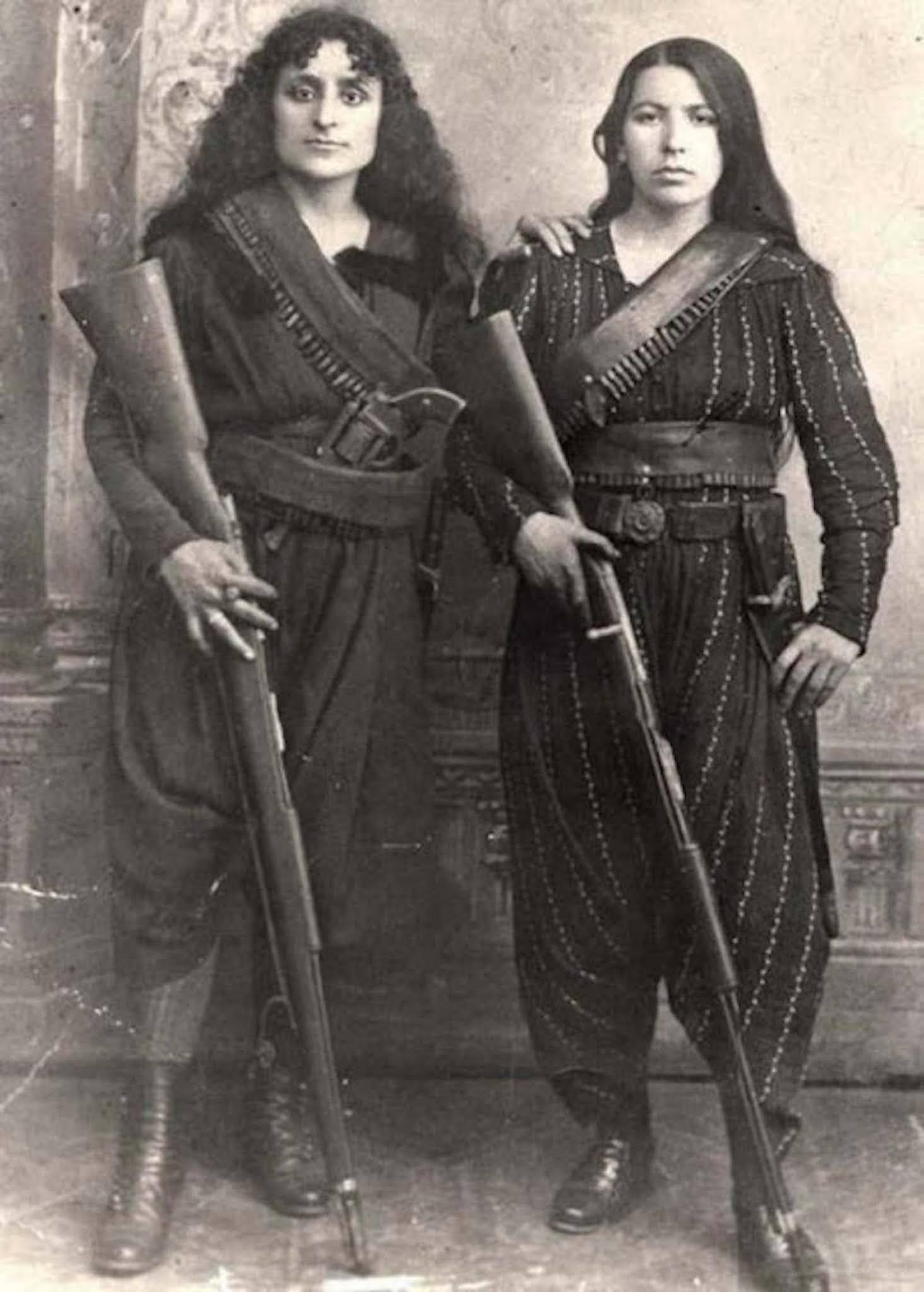 two Armenian women rifles ottoman