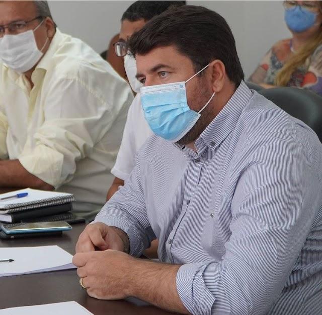 Prefeito de Entre Rios confirma que município assinou protocolo de intenção de compra de vacina