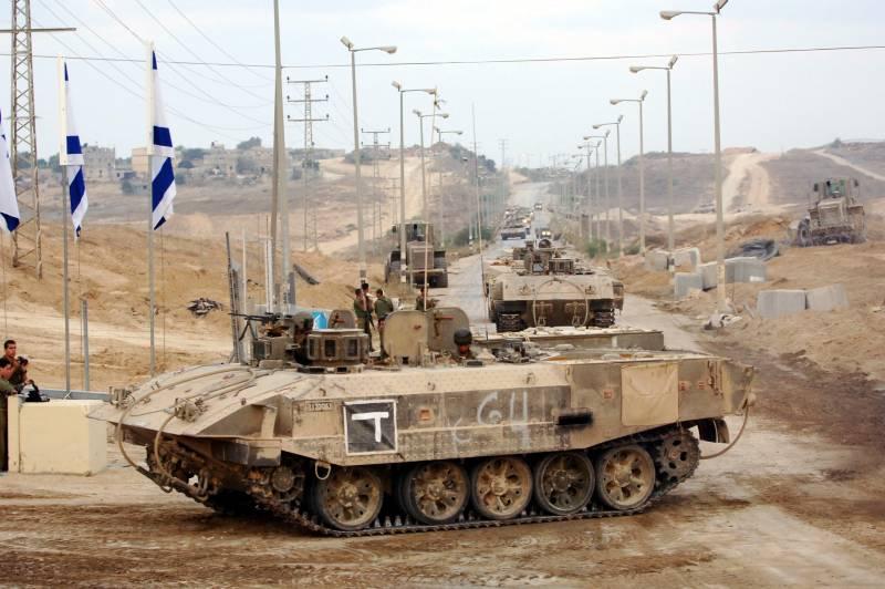Ахзарит. Ізраїльський БТР з радянських танків
